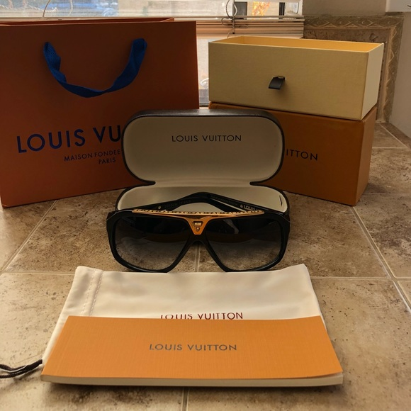 3d34034f4bb2 Louis Vuitton Other - Louis Vuitton Evidence Sunglasses